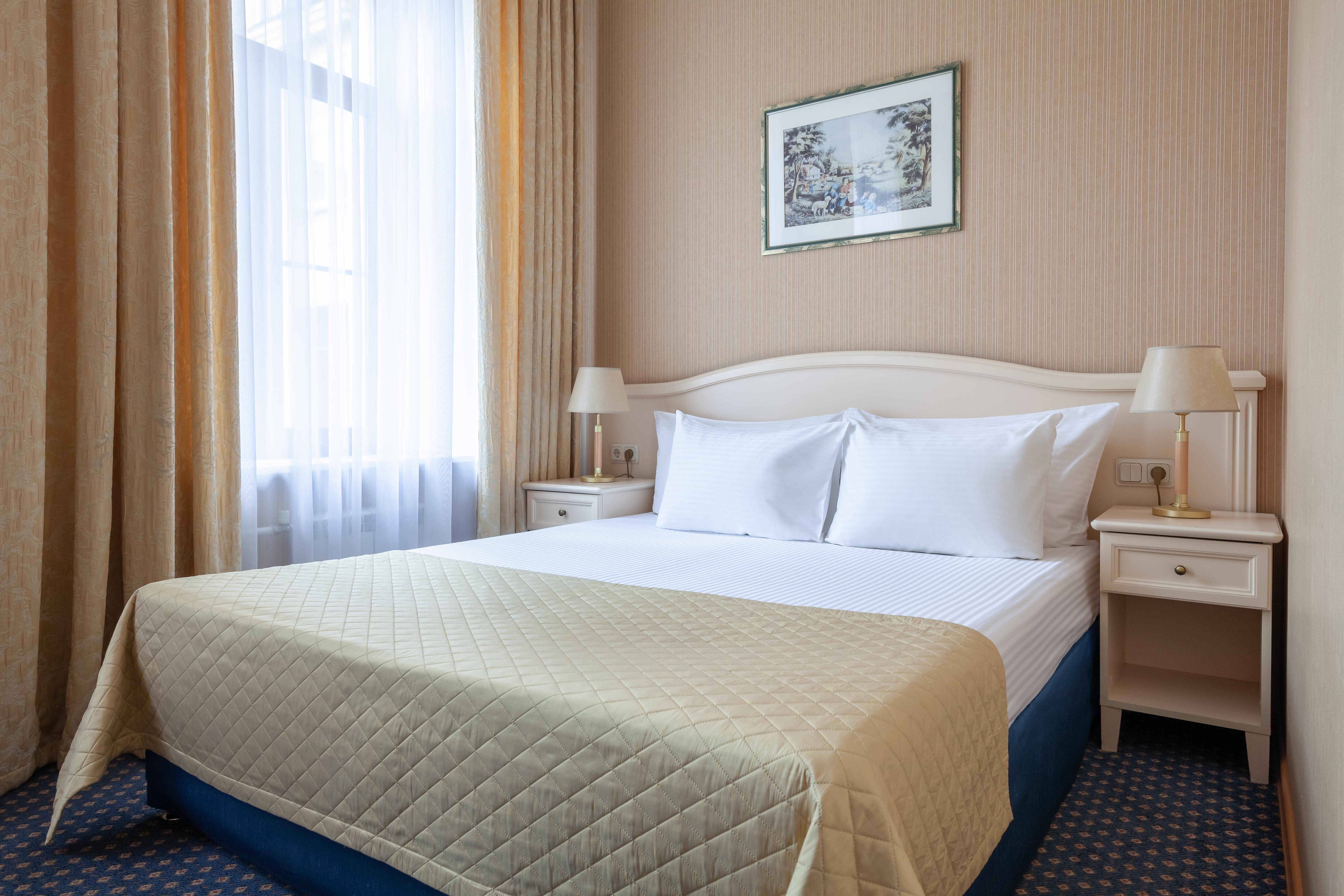 Aston Hotel, Sankt-Peterburg gorsovet