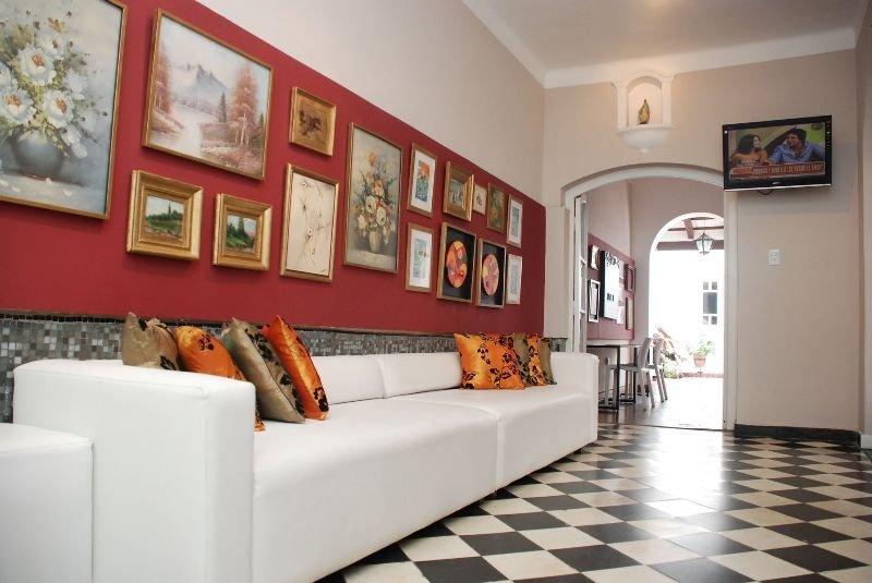 De Las Artes Hotel, Capital