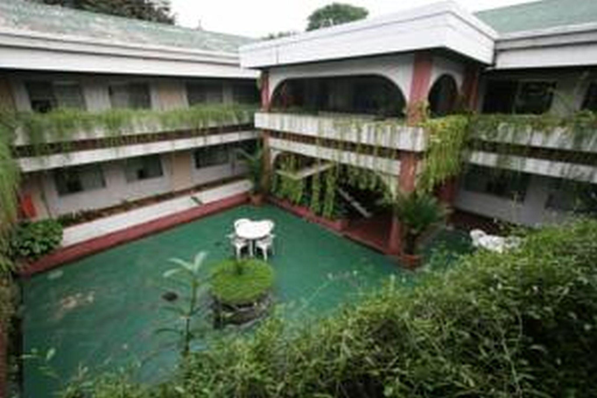 Broadway Court Apartelle, Quezon City