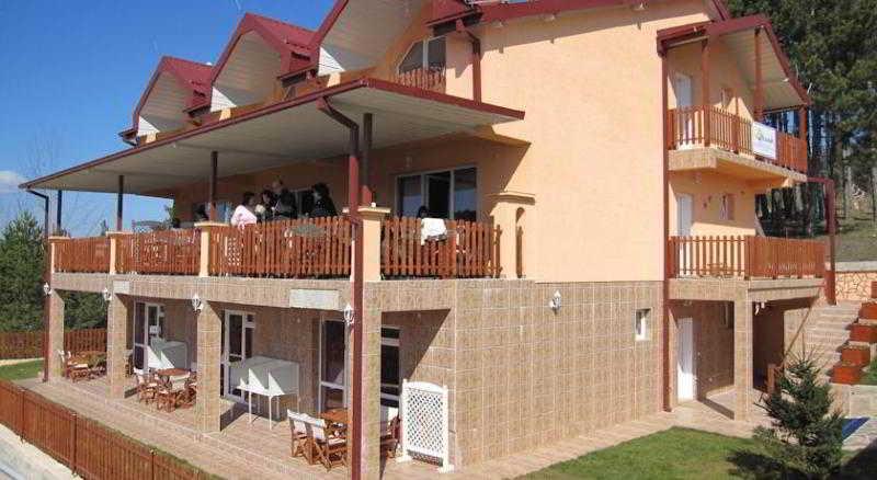 VIP Hotel Berovo - Apartments,