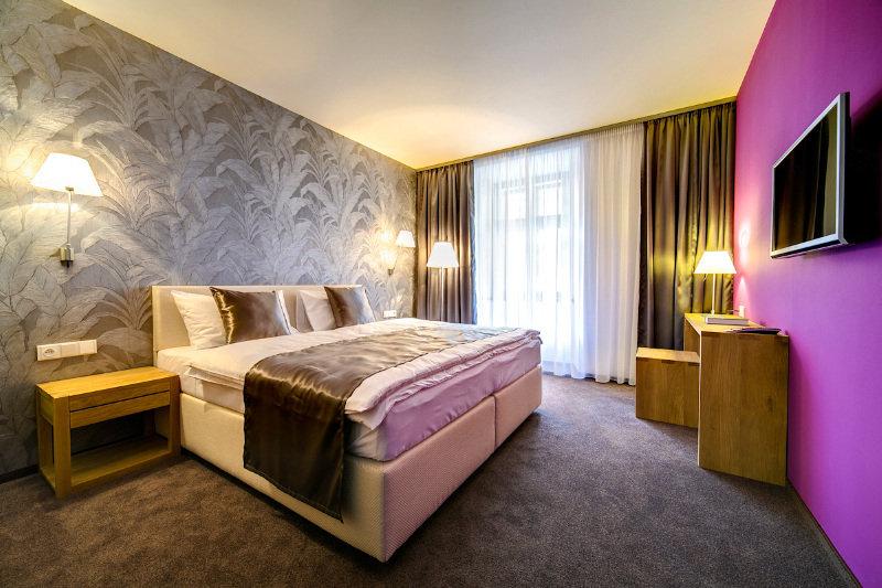 Hotel Restaurant Darwin, Praha 16