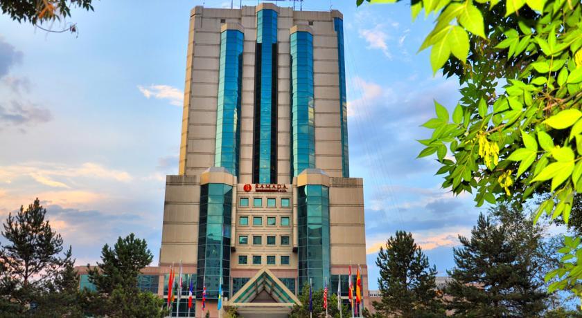 Ramada Plaza Astana Hotel, Tselinogradskiy