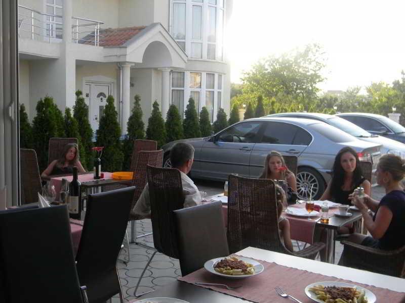 Hotel Petriti,