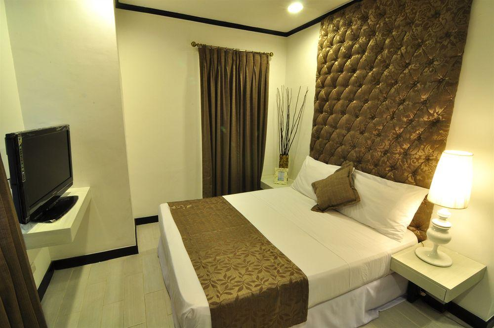 Seven Suites Observatory Hotel, Antipolo City