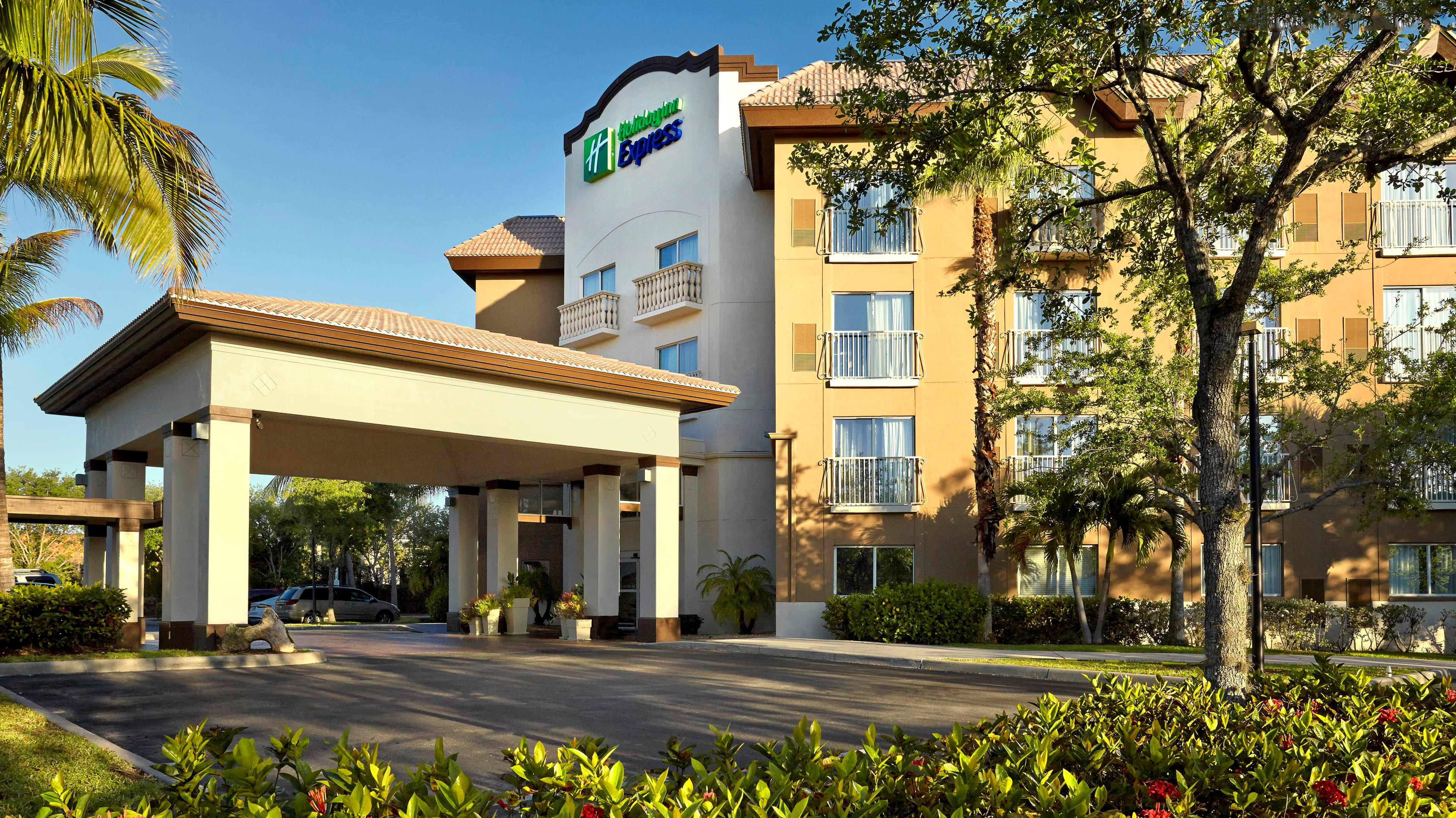 Holiday Inn Express & Suites Naples Downtown, Collier
