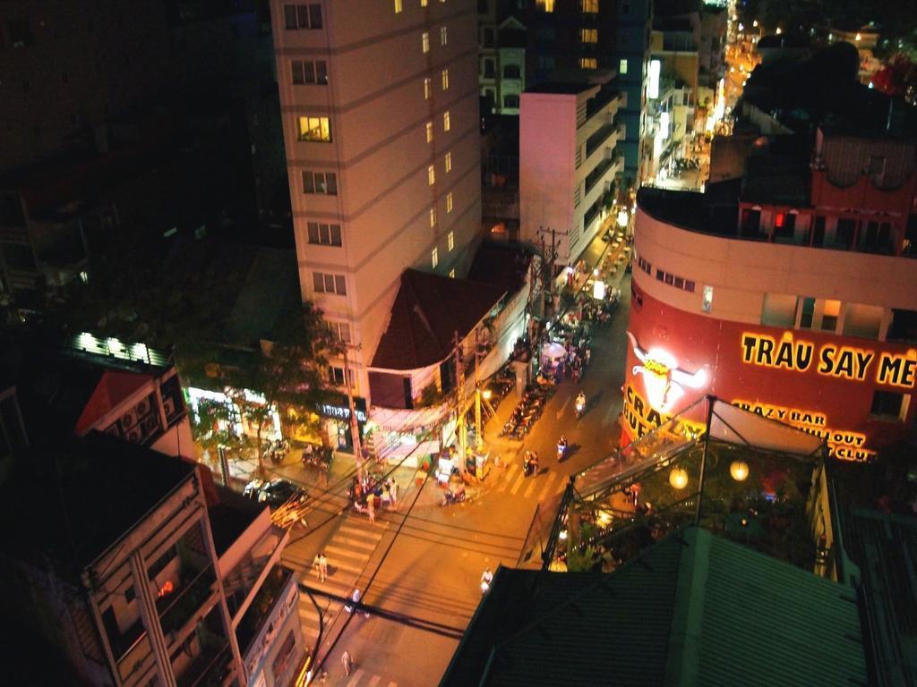 Aston Hotel Saigon, Quận 1