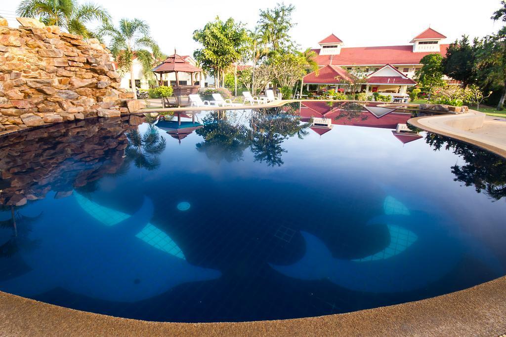 Lake Villas Resort, Bang Lamung