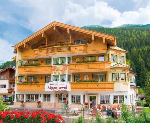 Alpenjuwel Jäger, Schwaz