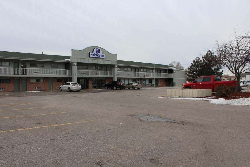 REGENCY INN SUITES, Lancaster