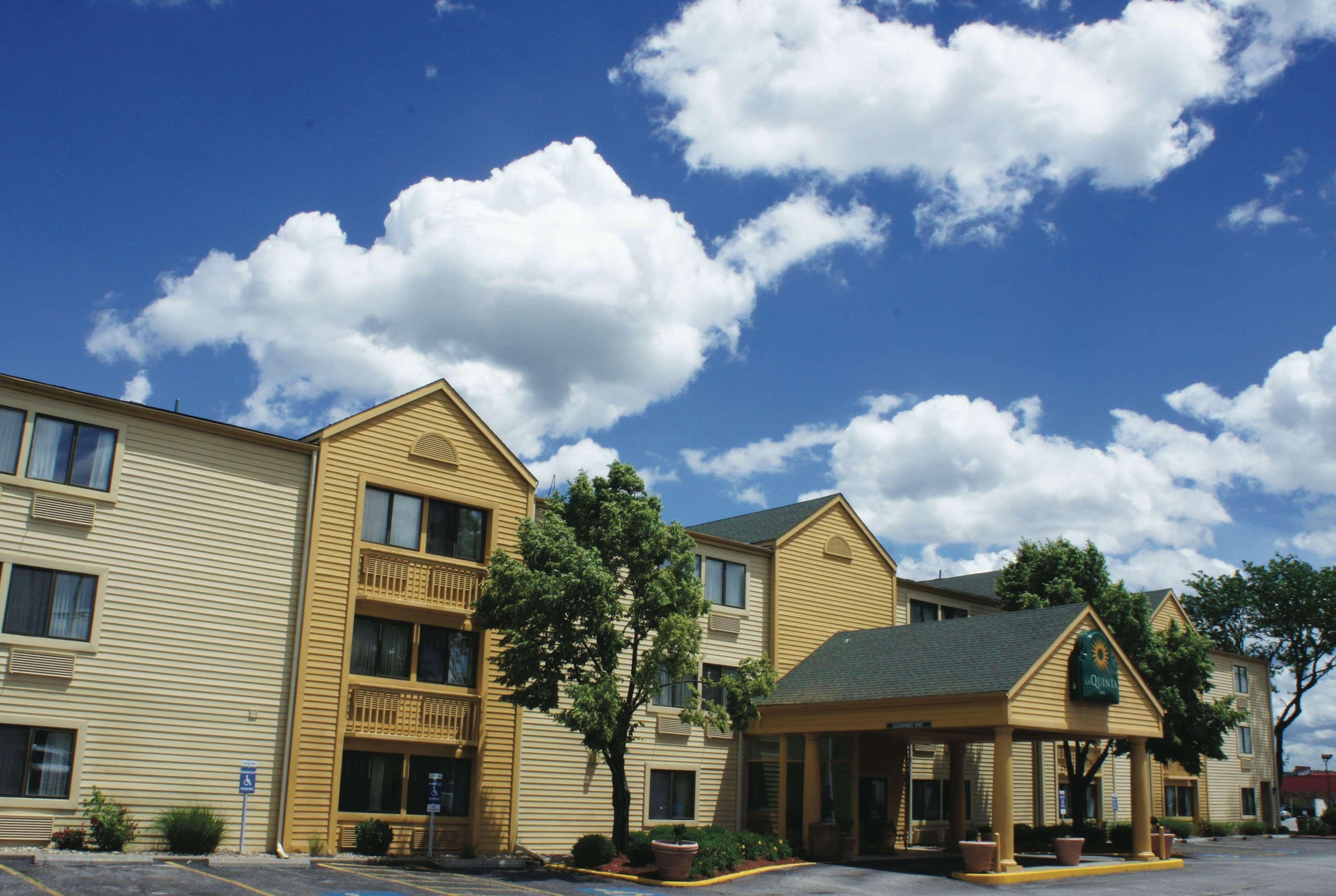 La Quinta Inn Kansas City North, Clay