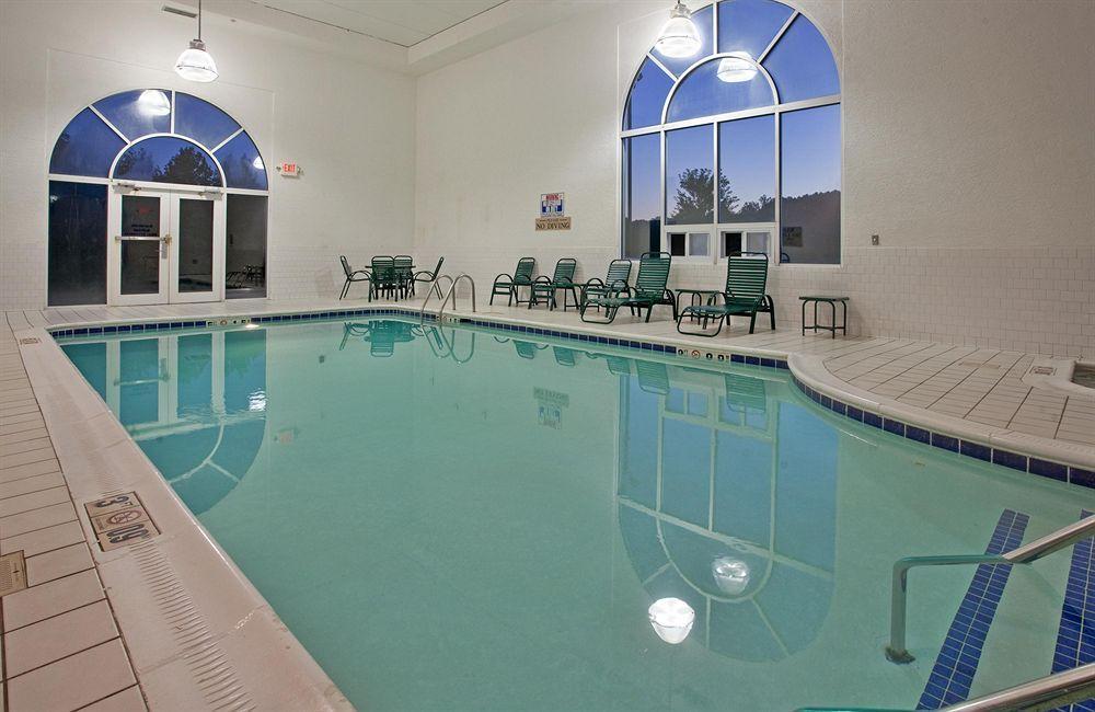 Country Inn & Suites By Carlson, Pulaski