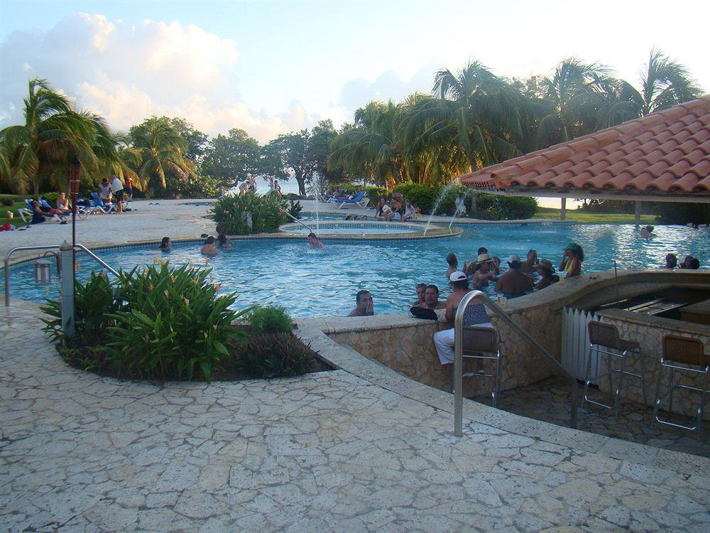 Sea Breeze Hotel,