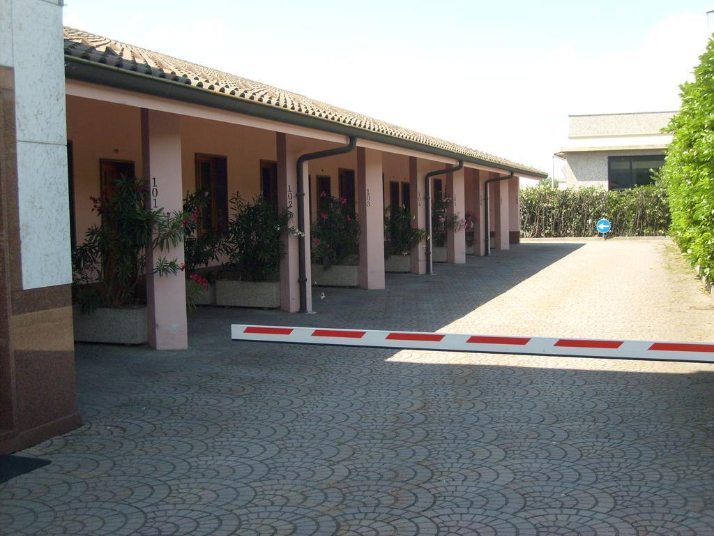Hotel Motel Flower, Alessandria