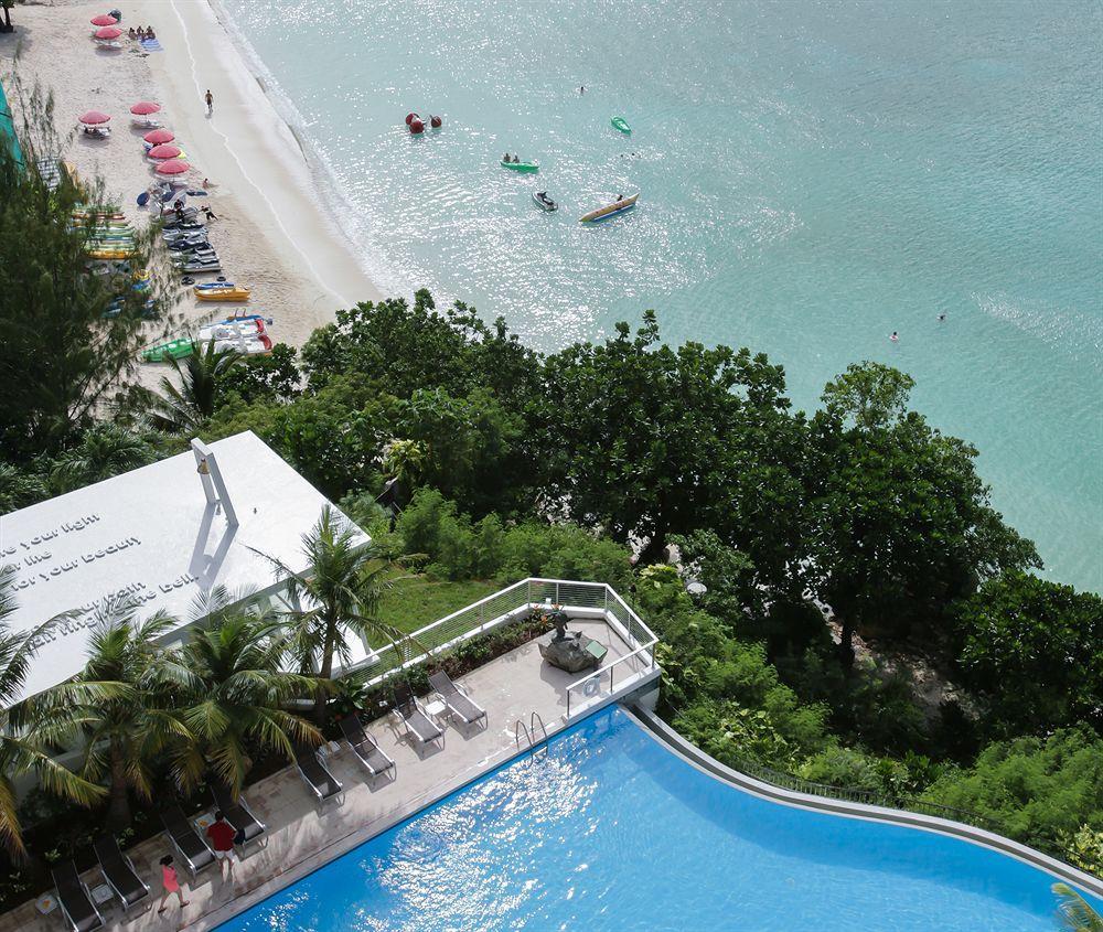 Guam Reef Hotel,