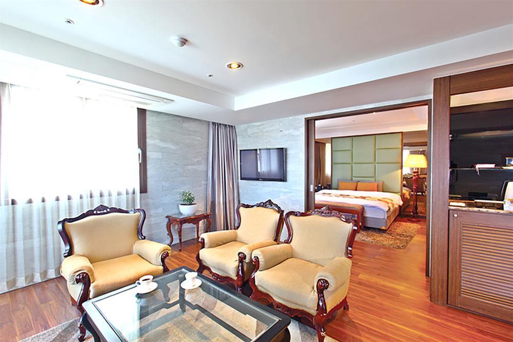 Hotel International, Changwon
