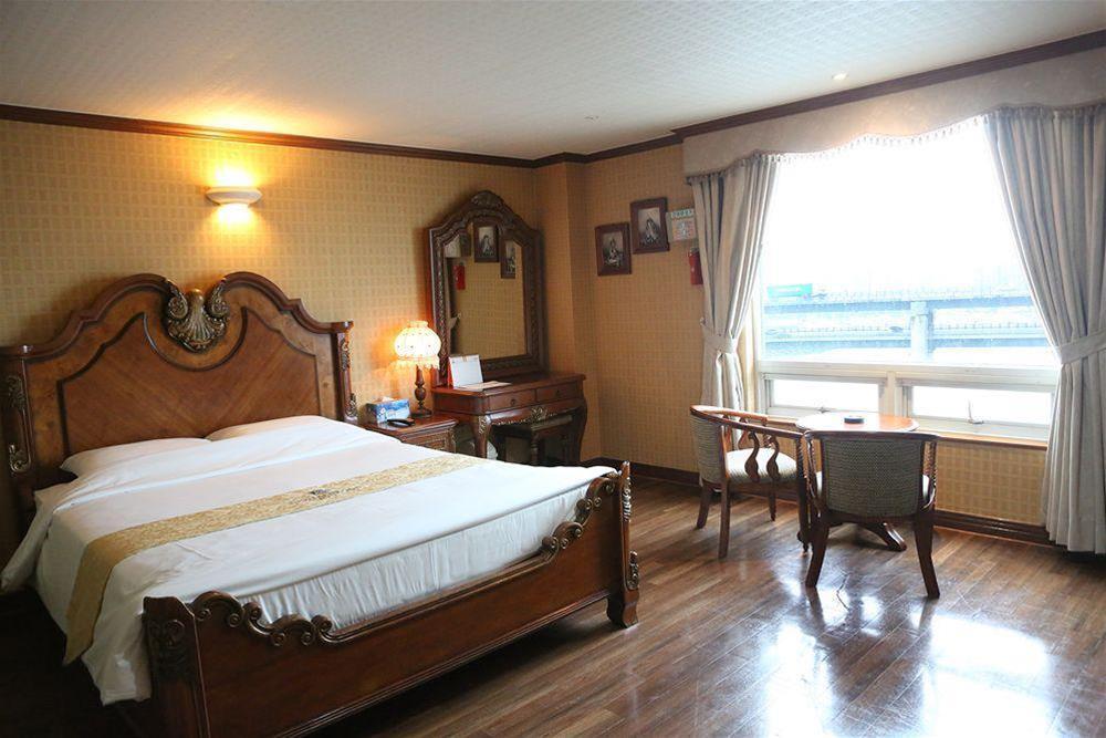 Hotel Castle Beach, Suyeong