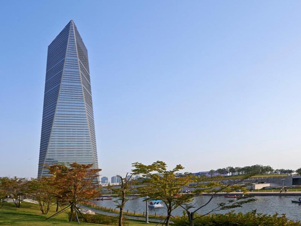 Oakwood Premier Incheon, Yeonsu