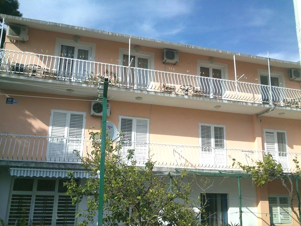 Apartments Jela, Makarska