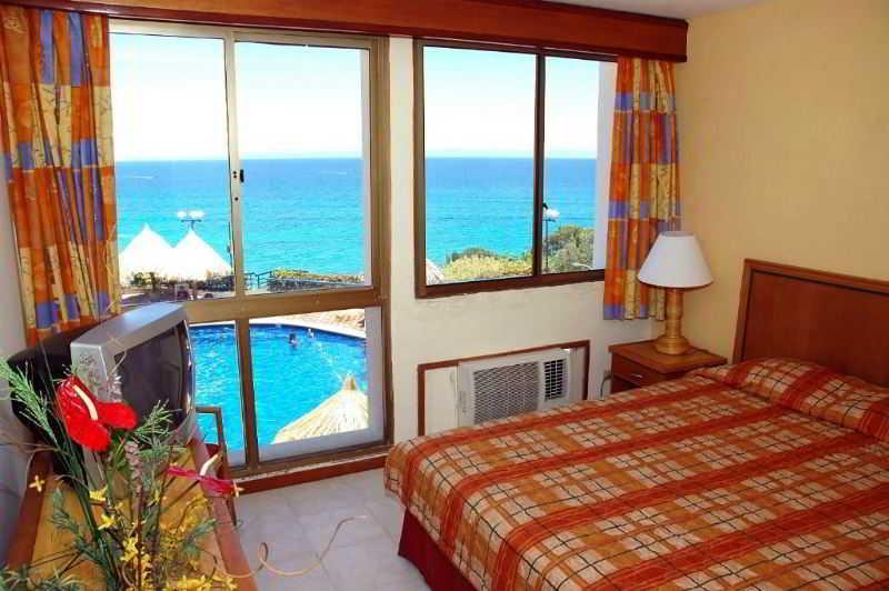 Hippocampus Villas Resort, Maneiro