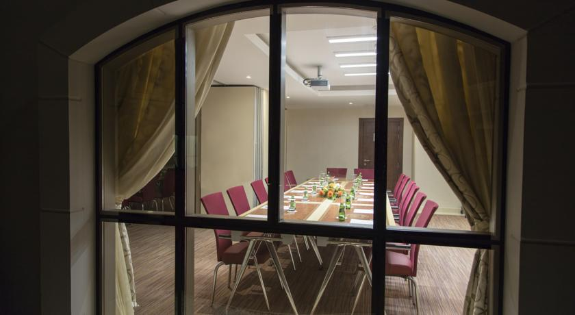 Coral Muscat Hotel & Apartment, Muttrah
