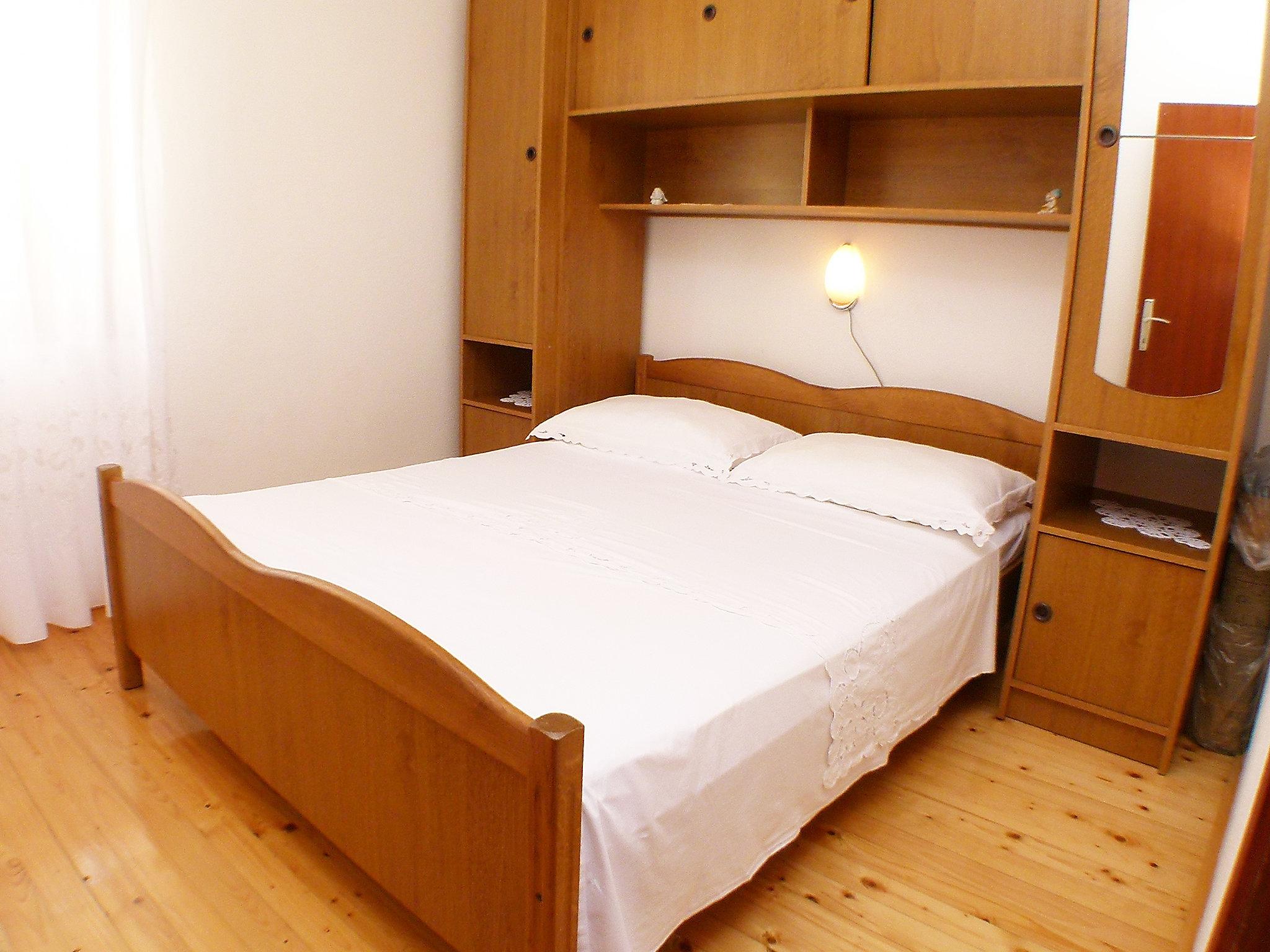 Miljus - Three Bedroom, Trogir