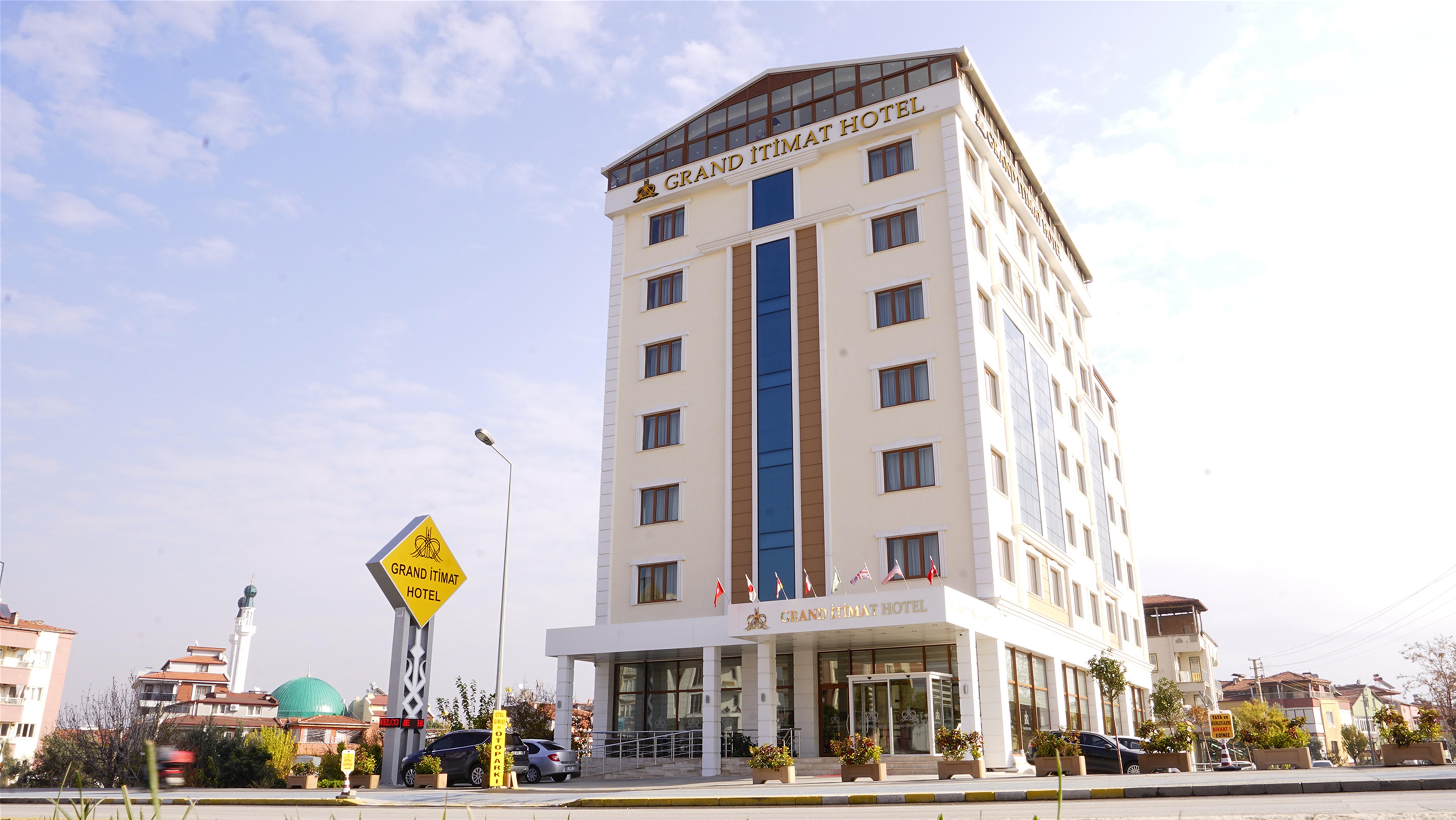 Grand Itimat Hotel, Merkez