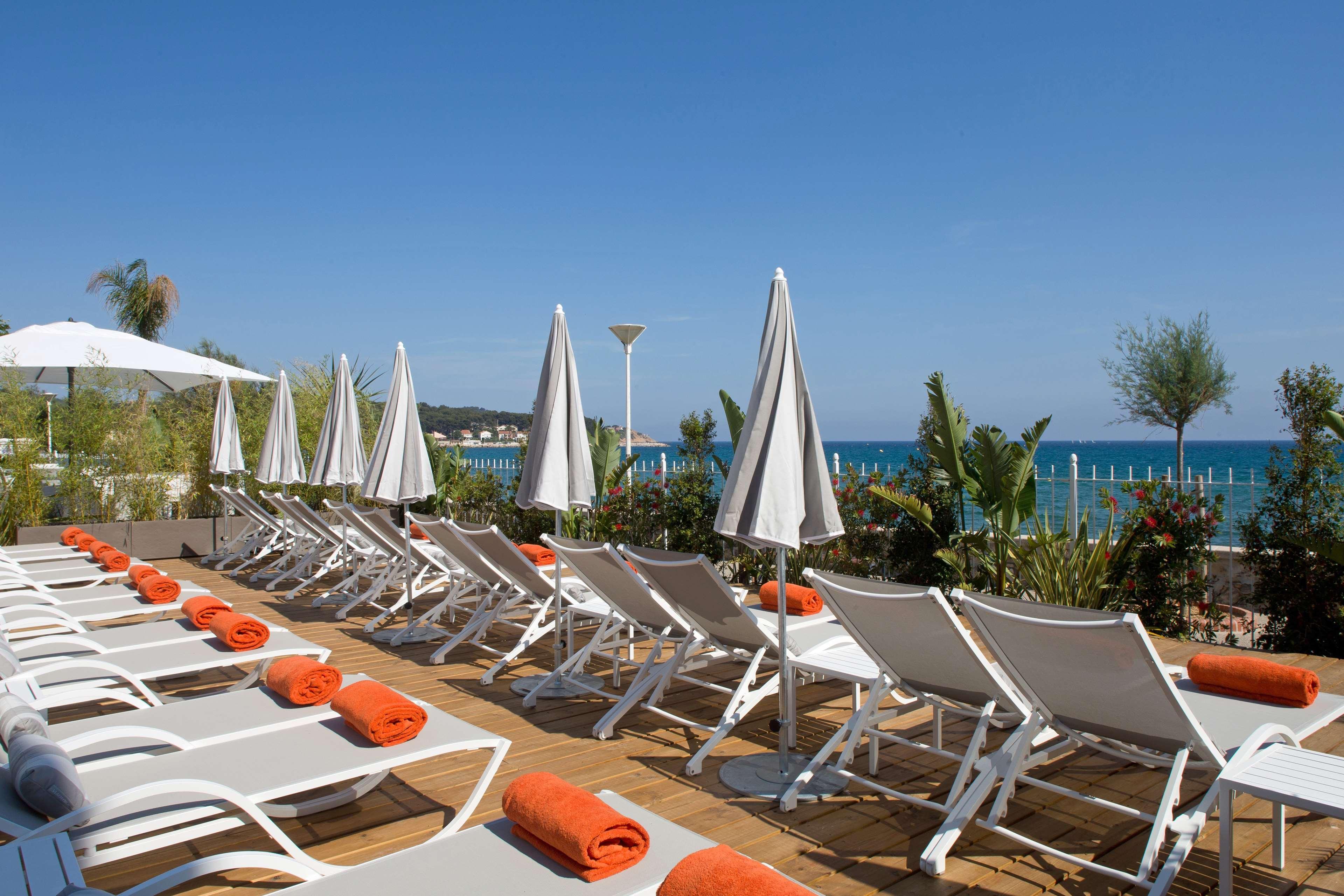 Grand Hotel des Sablettes Plage, Curio by Hilton, Var