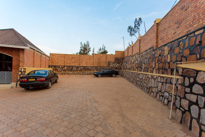 Corina K Guesthouse, Kicukiro