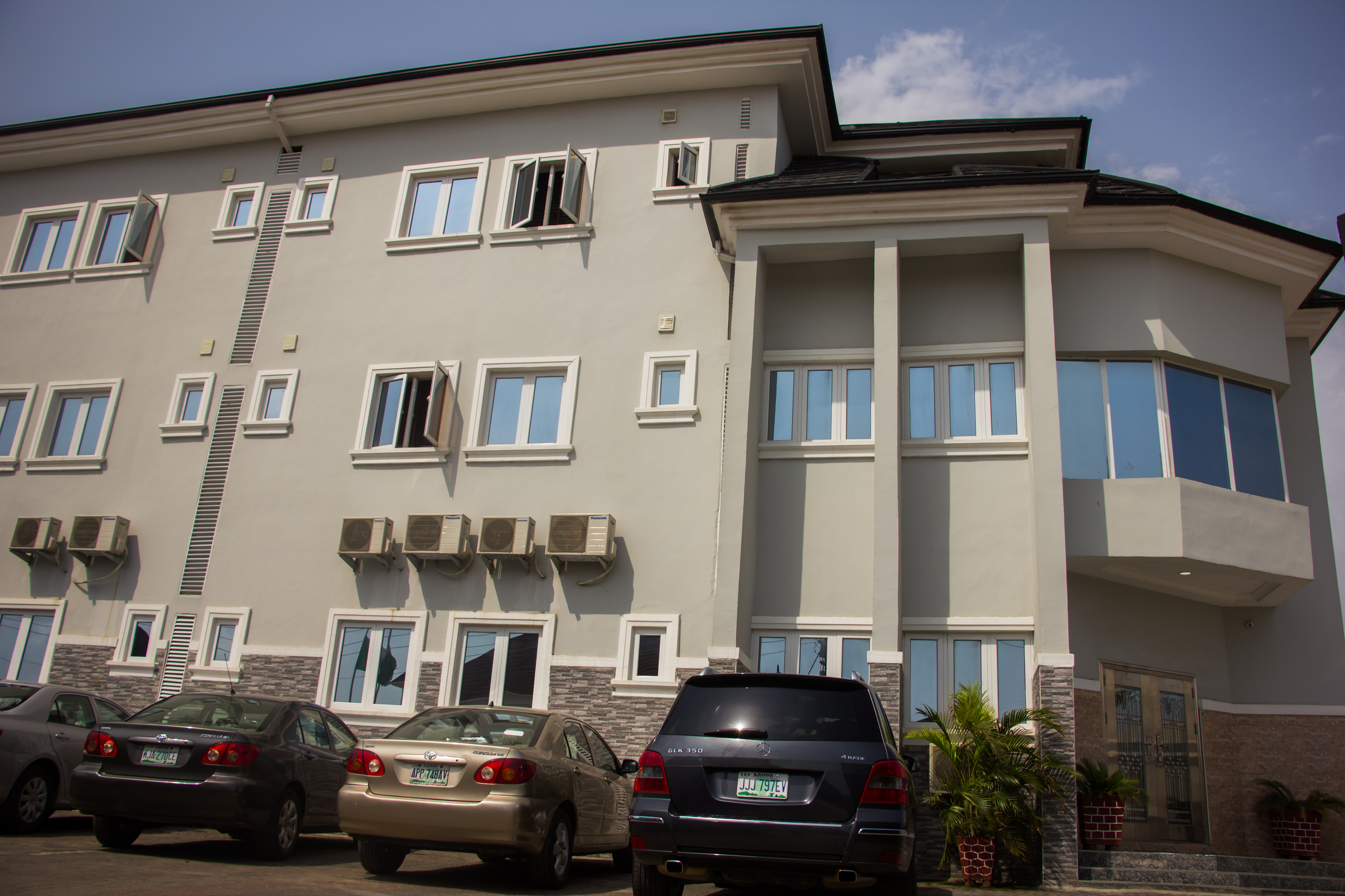 Sweet Season Luxury Suites, Amuwo Odofin