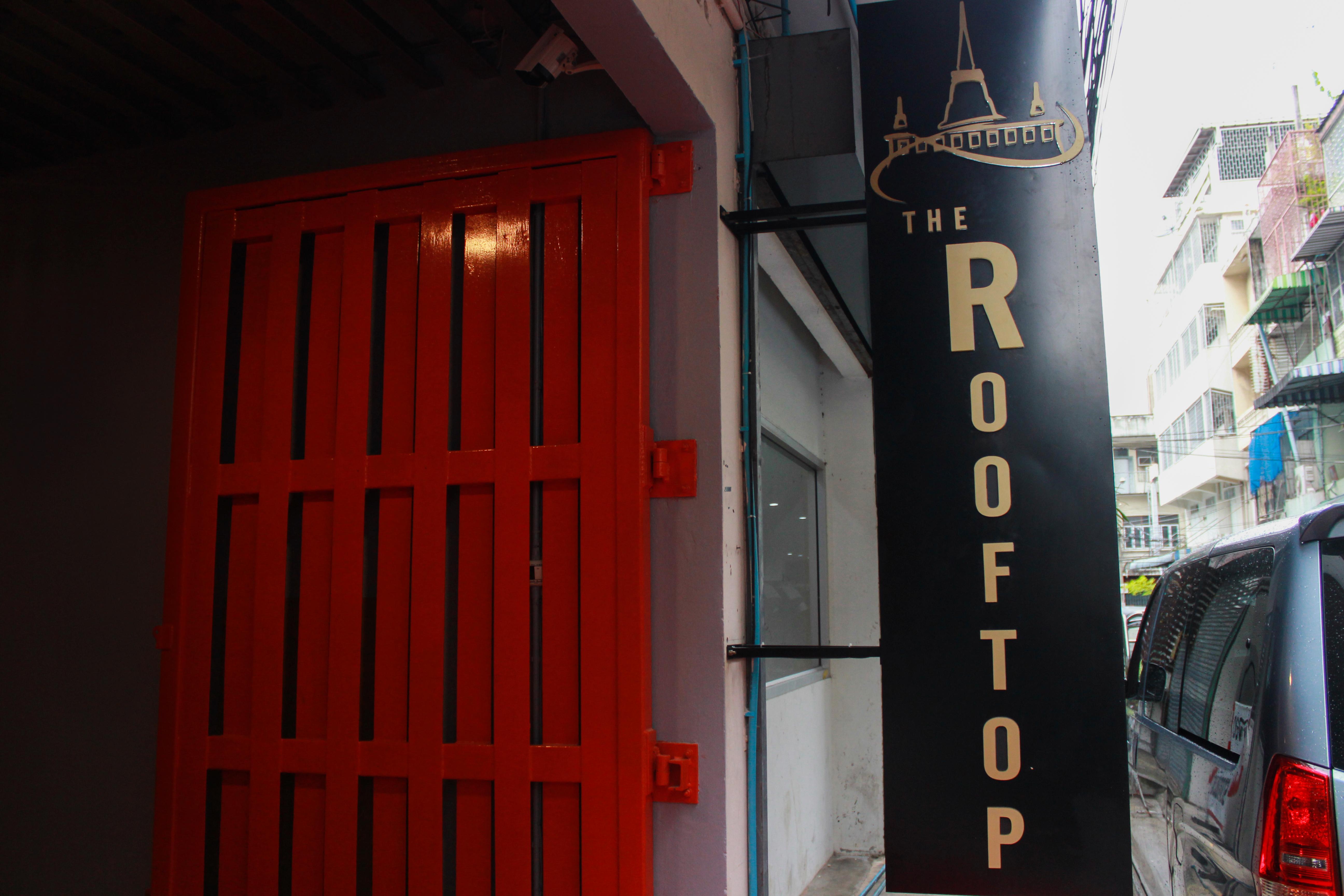 The Rooftop Residence, Pom Pram Sattru