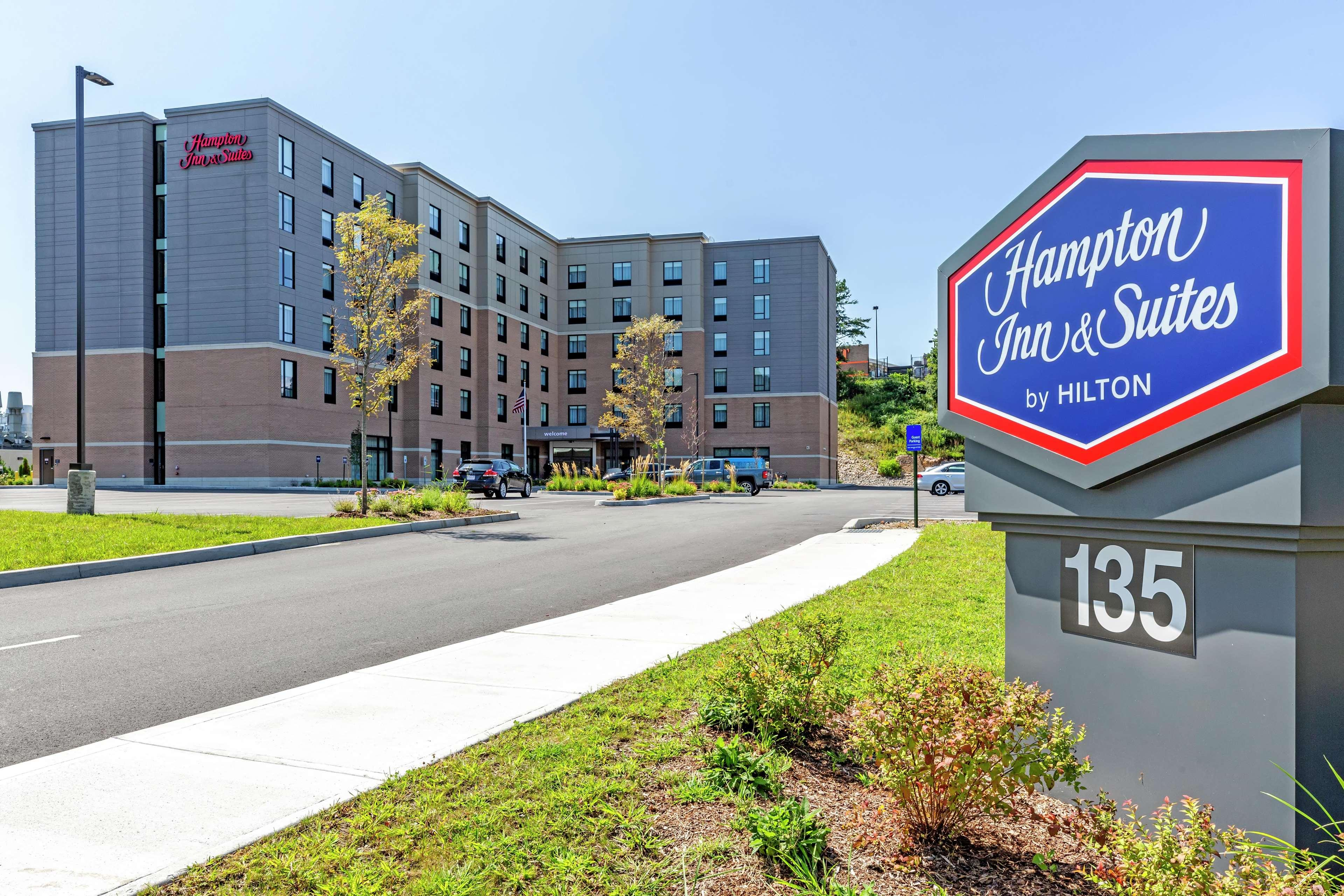 Hampton Inn & Suites Boston/Waltham, MA, Middlesex