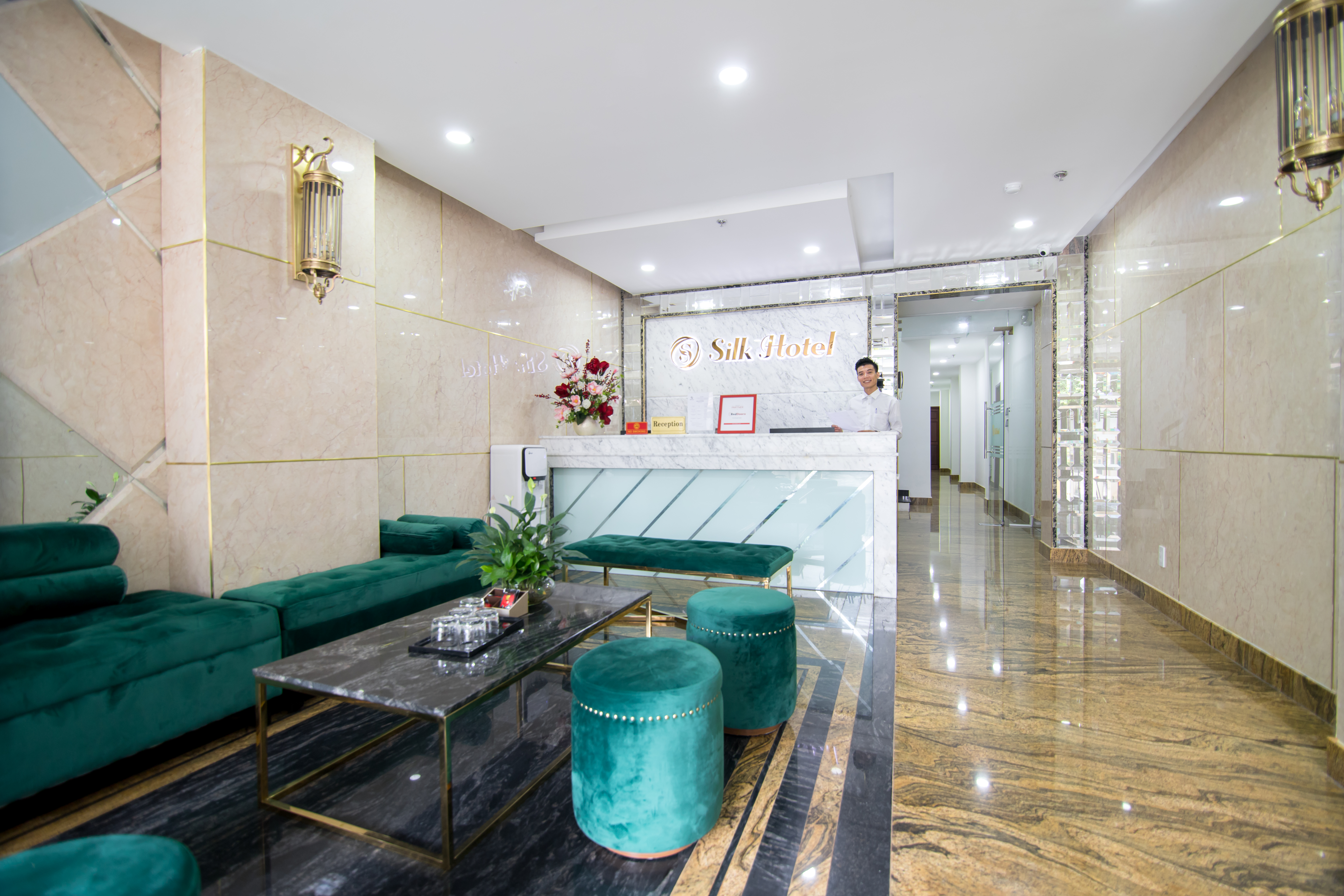 Silk Hotel, Phú Nhuận