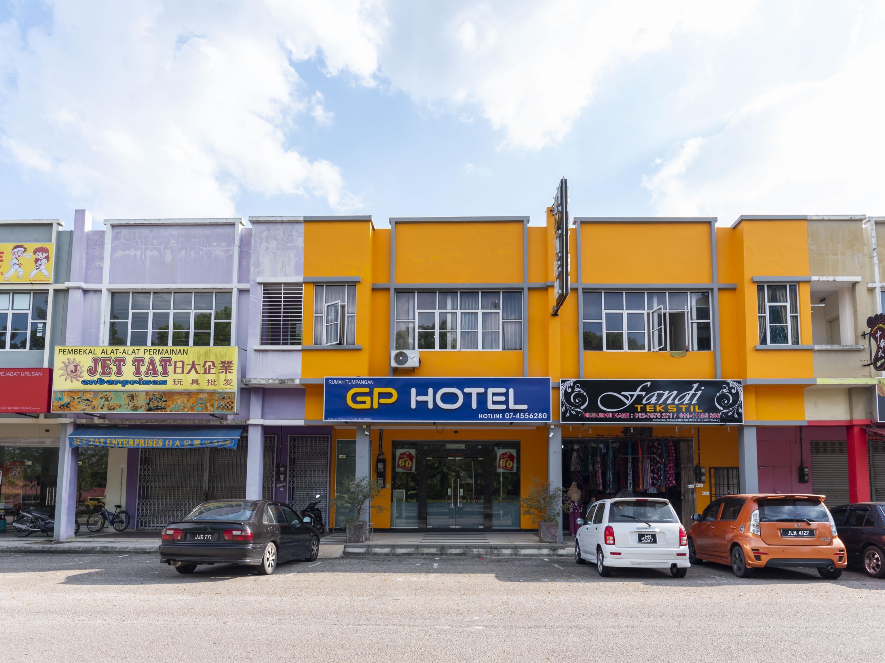 OYO 705 Golden Pearl Hotel, Batu Pahat