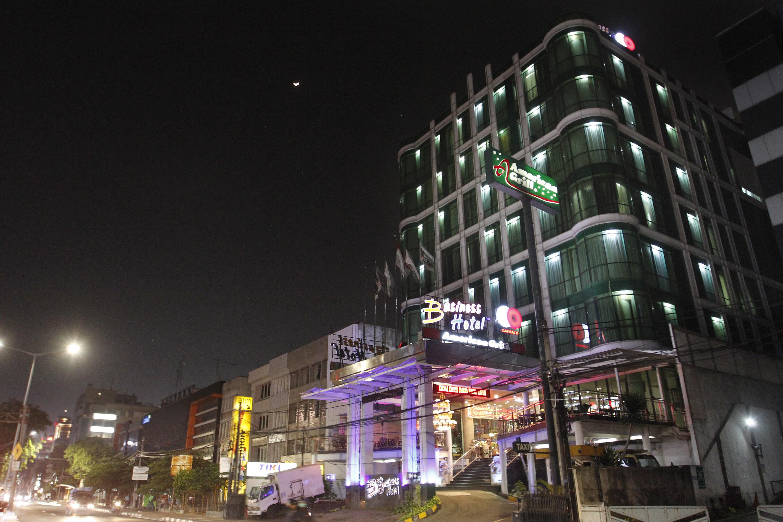Capital O 126 Business Hotel, Jakarta Barat