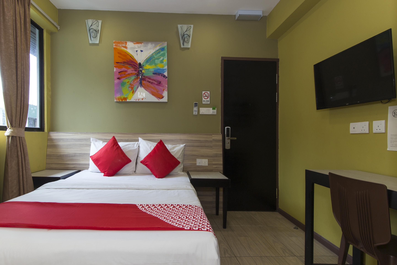 Hotel OYO 228 Basic Hotel