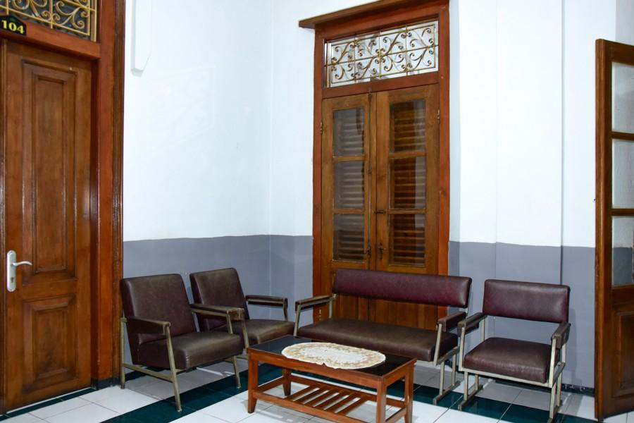 RedDoorz near Puro Pakualaman Palace, Yogyakarta