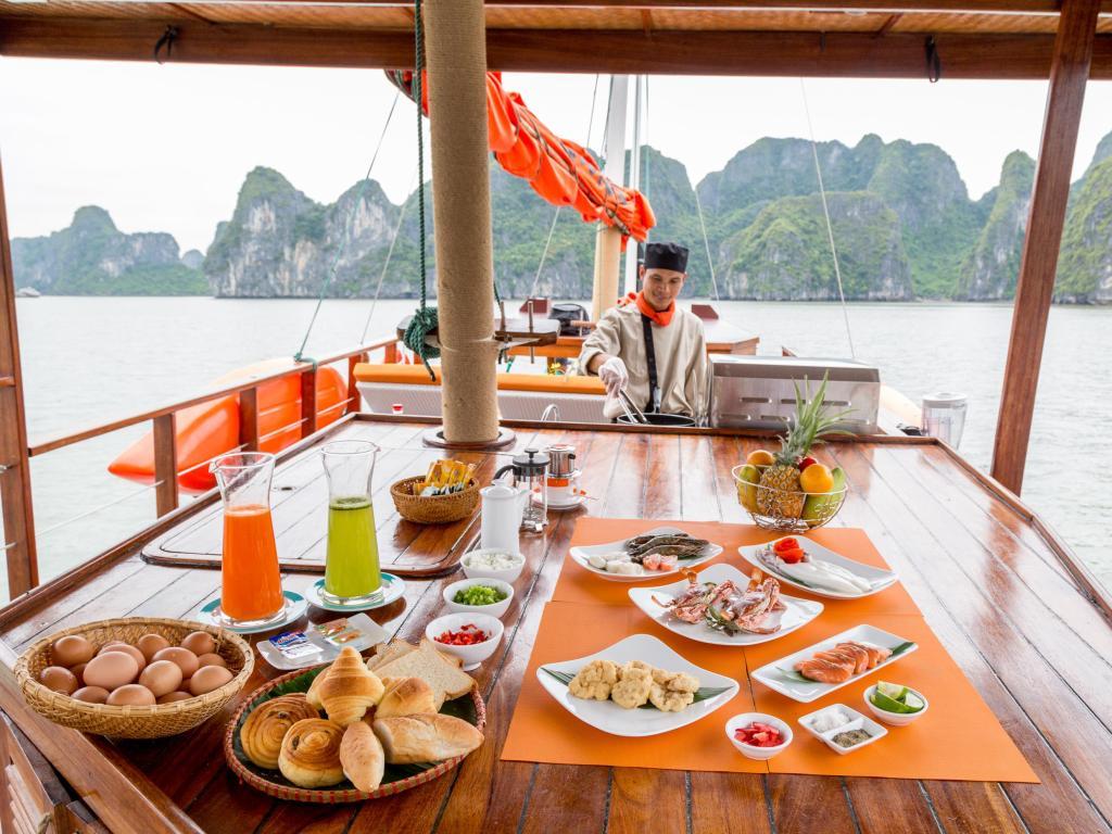 LAzalee Cruise, Hạ Long