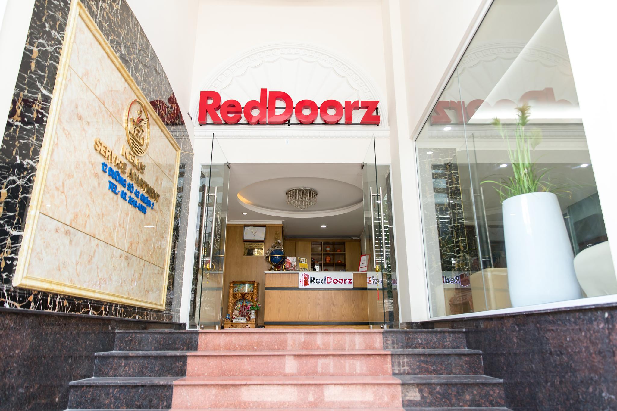 RedDoorz Plus @ Thao Dien, Quận 2