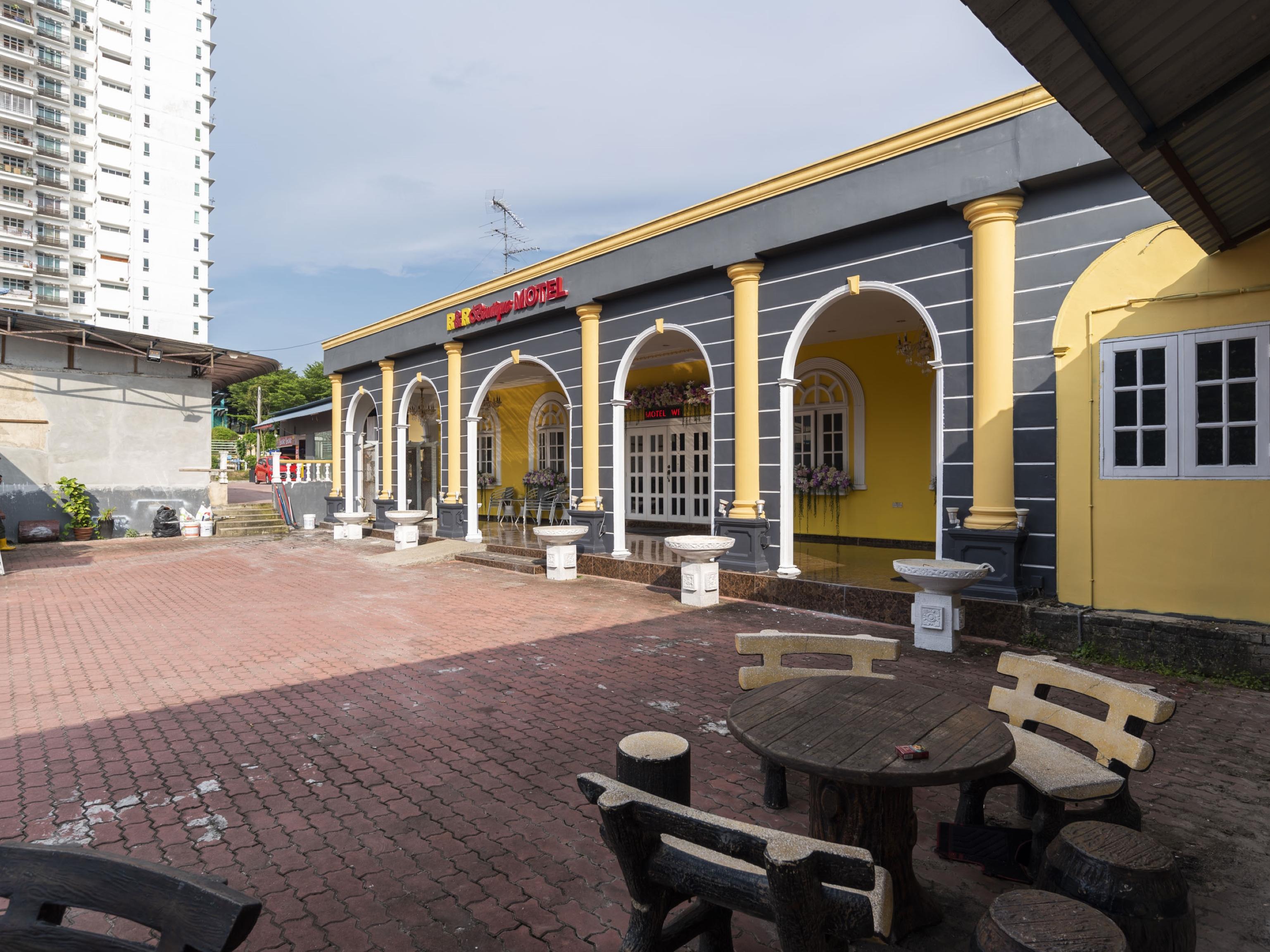 OYO 1228 R & R Motel, Johor Bahru