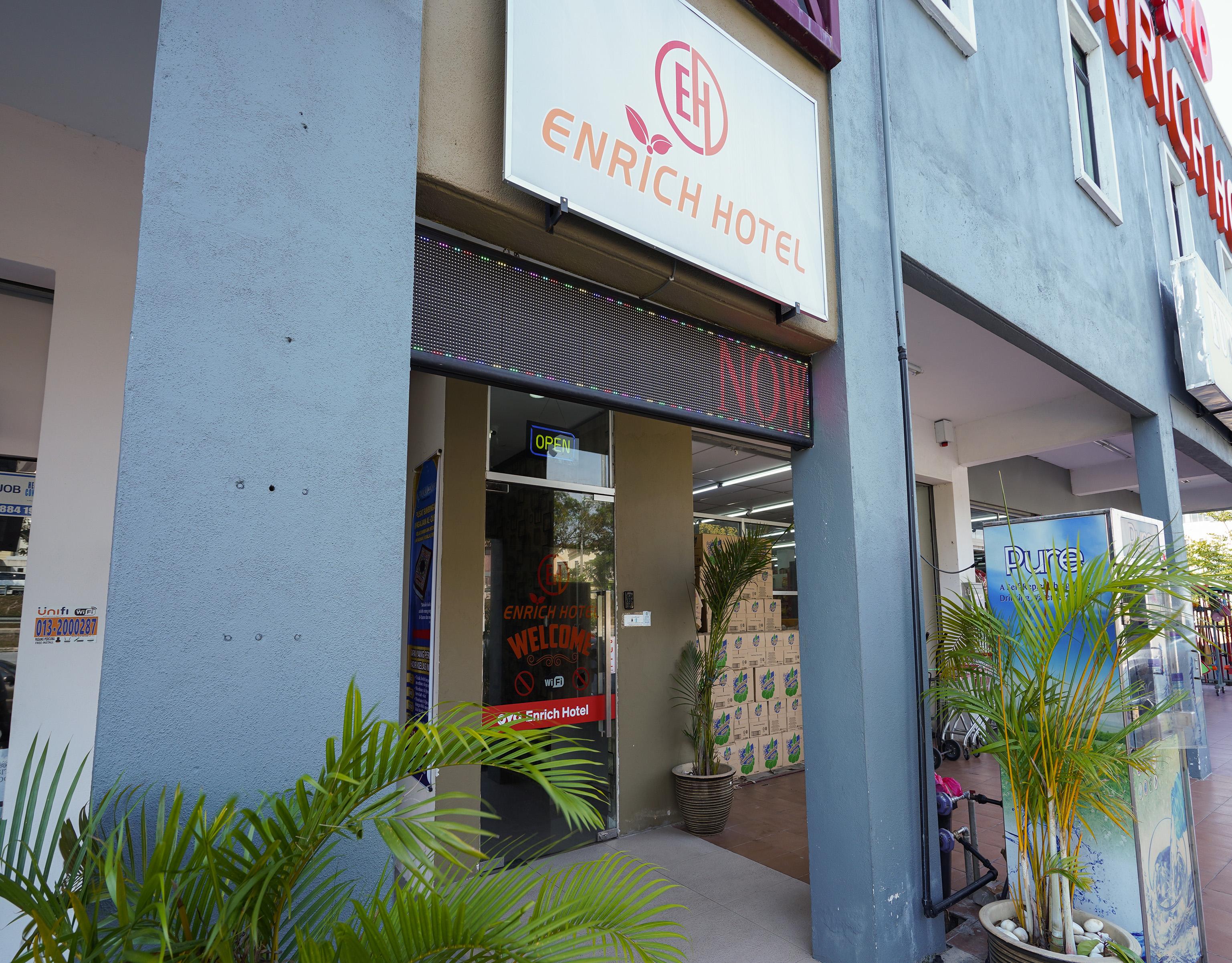 OYO 43958 Enrich Hotel, Kuala Selangor