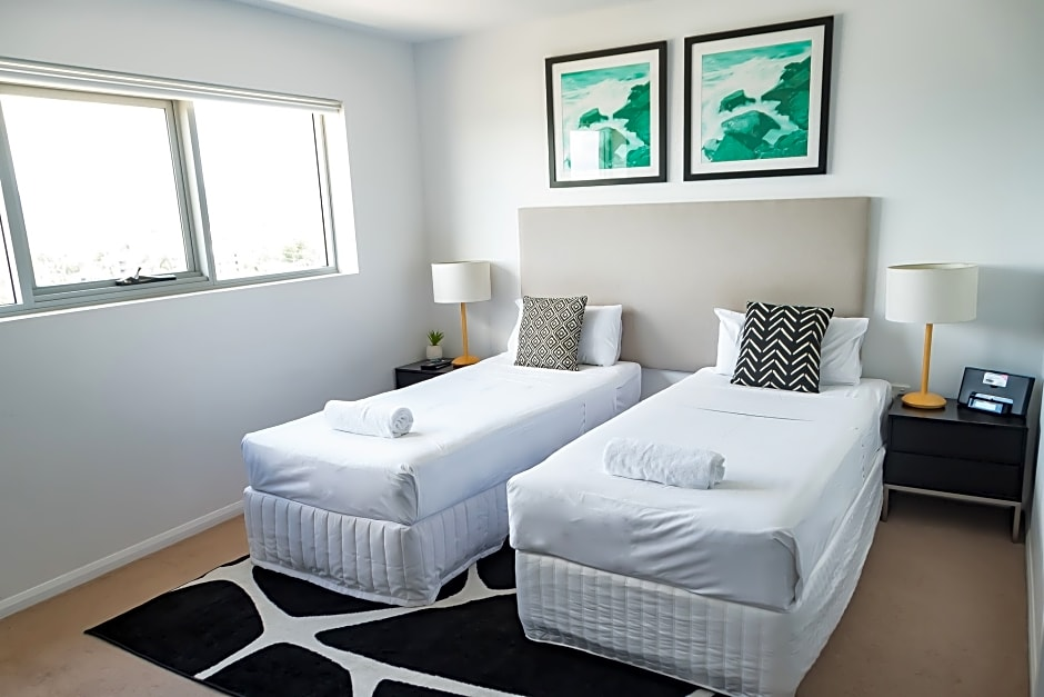 ALLURE HOTEL APARTMENTS, South Townsville