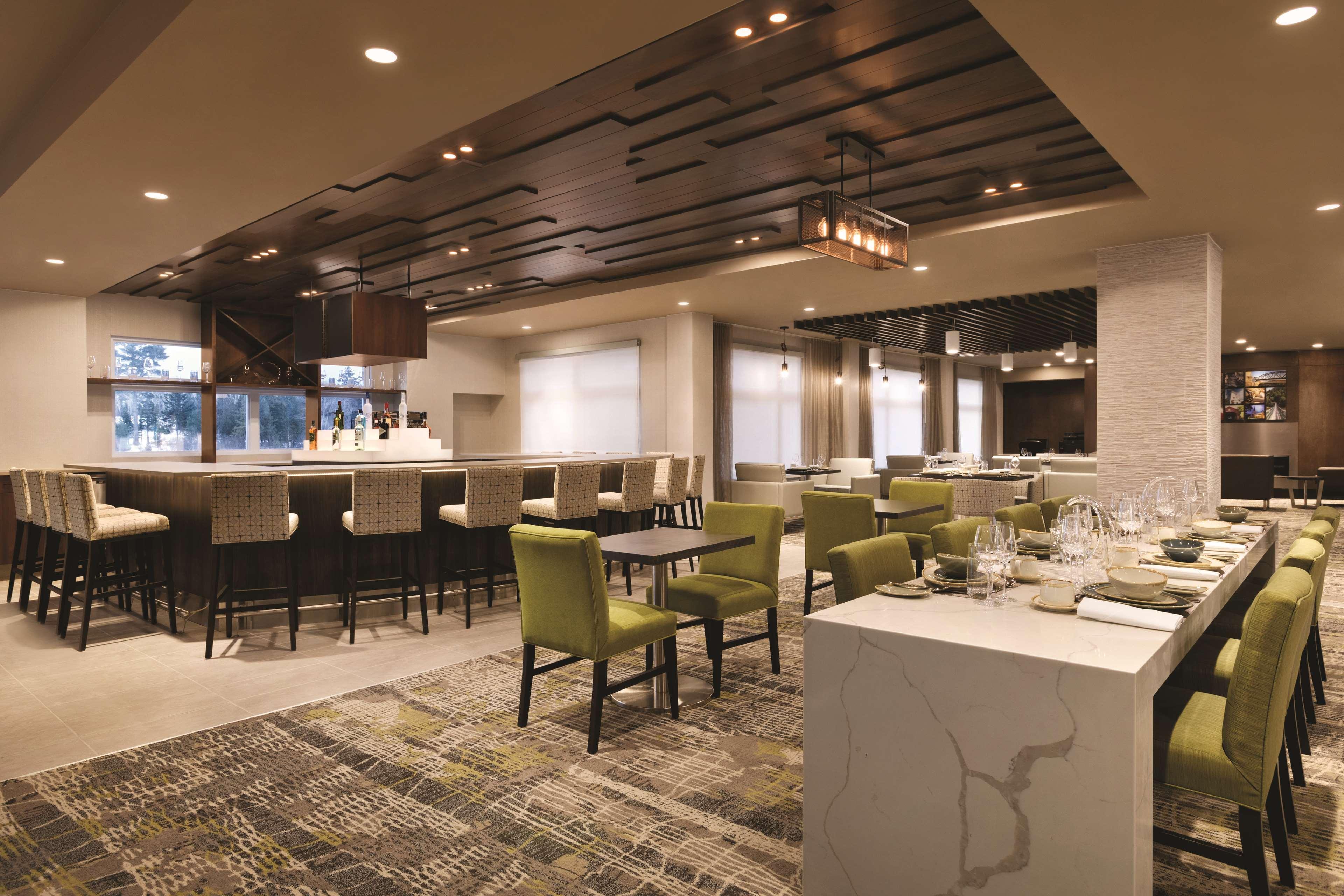 Radisson Kingswood Hotel & Suites, Fredericton, NB, York