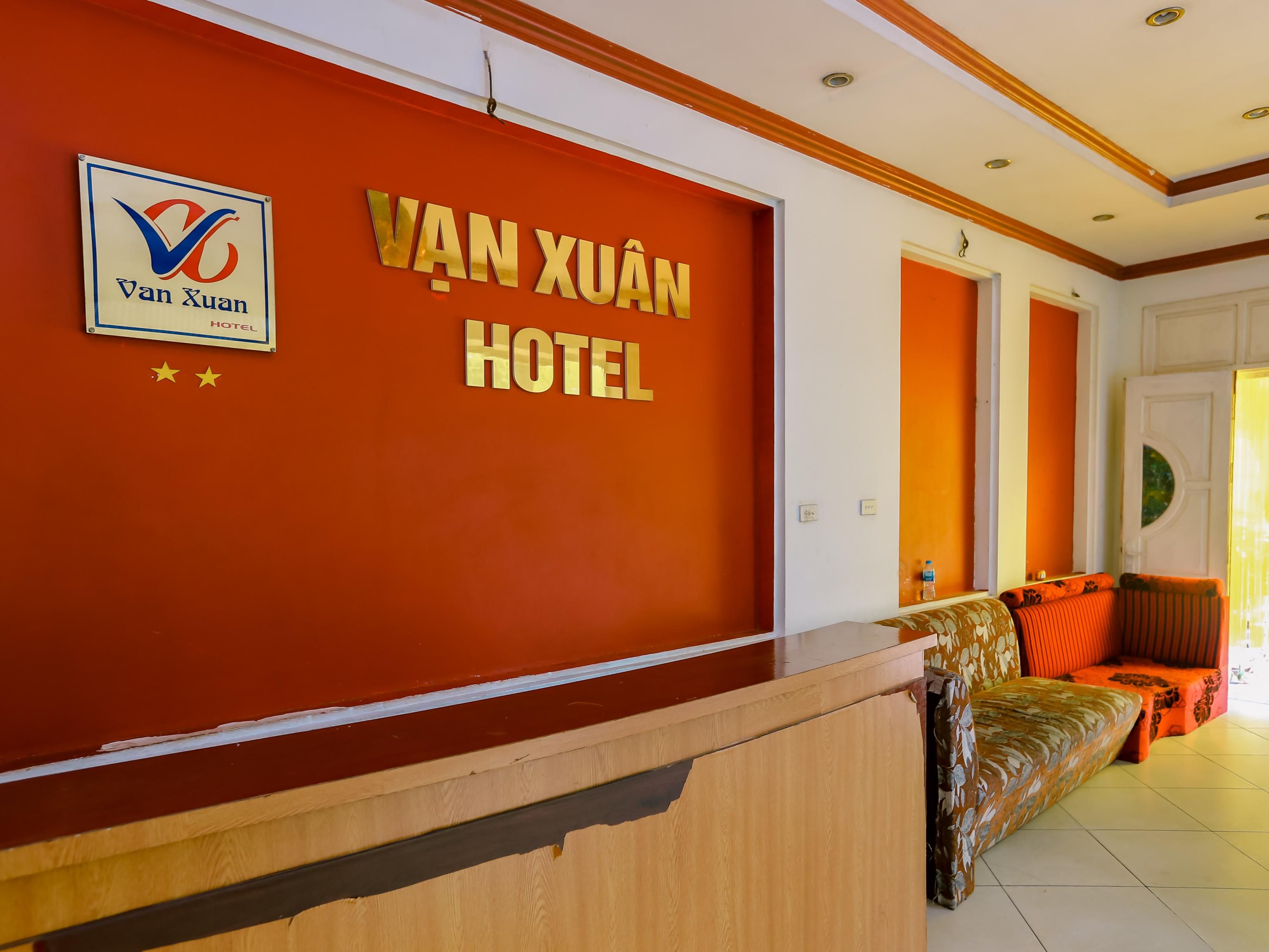 OYO 575 Van Xuan Hotel, Hoàng Mai