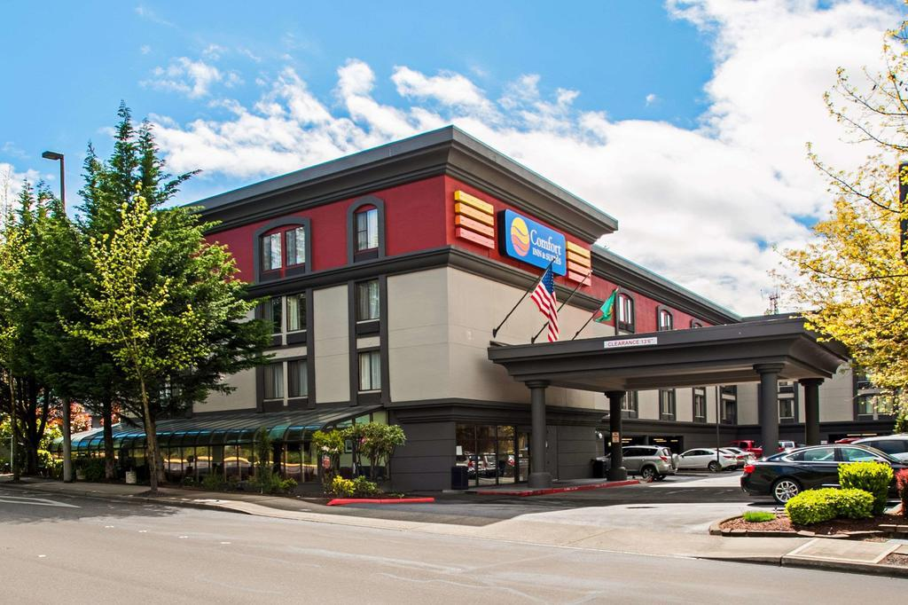 Comfort Inn & Suites Sea-Tac Airport