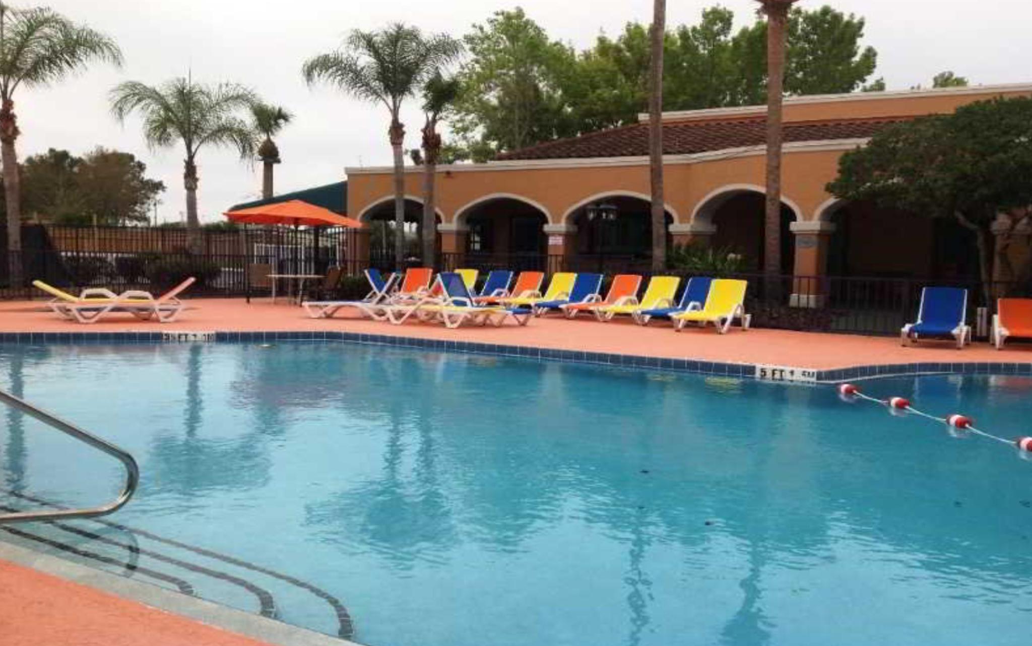 Ramada By Wyndham Kissimmee Hotel En Orlando Area
